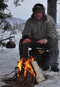 Pepperkaker og Torgeir med hare 2012 041